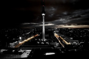 berlin_by_night_ii_by_zwanzig