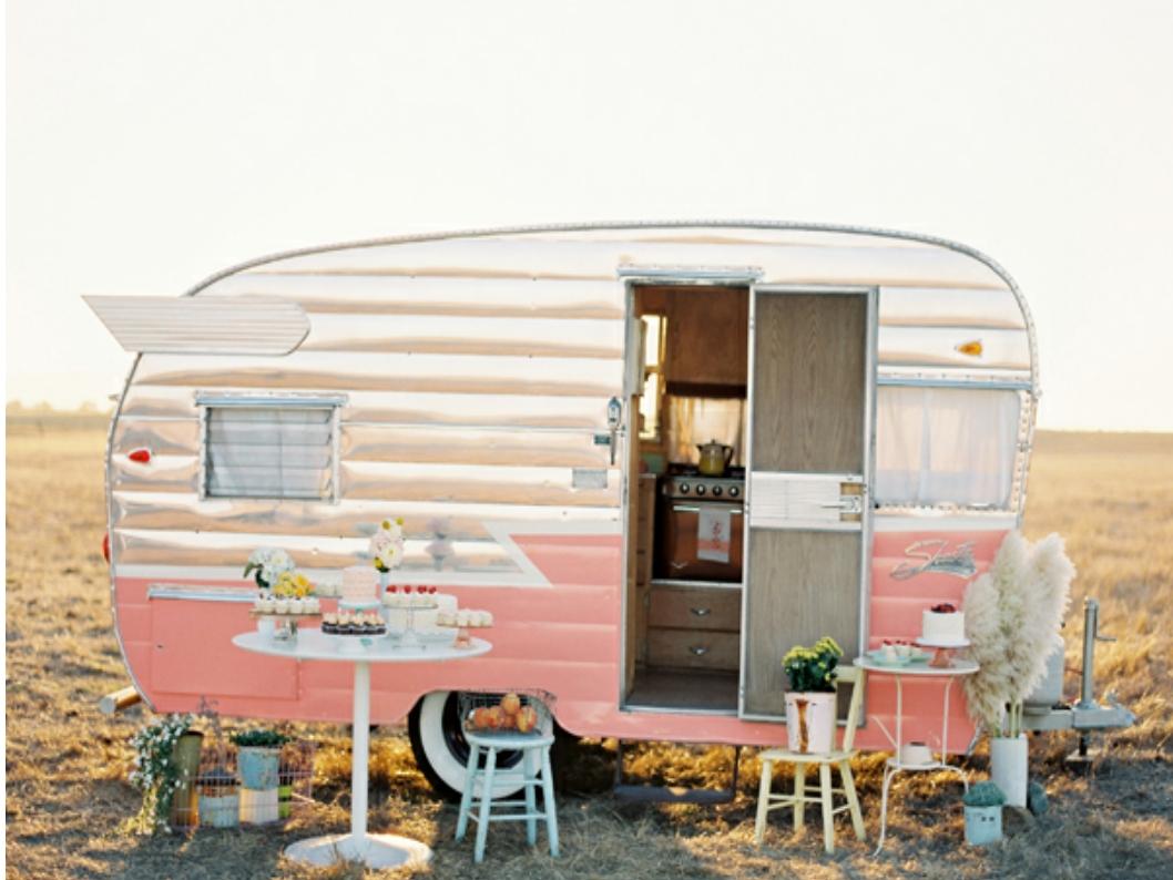 bonheur camping cars and interview on pinterest. Black Bedroom Furniture Sets. Home Design Ideas